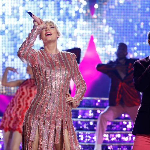 Taylor Swift & Brendon Urie Dazzle 'The Voice' Finale