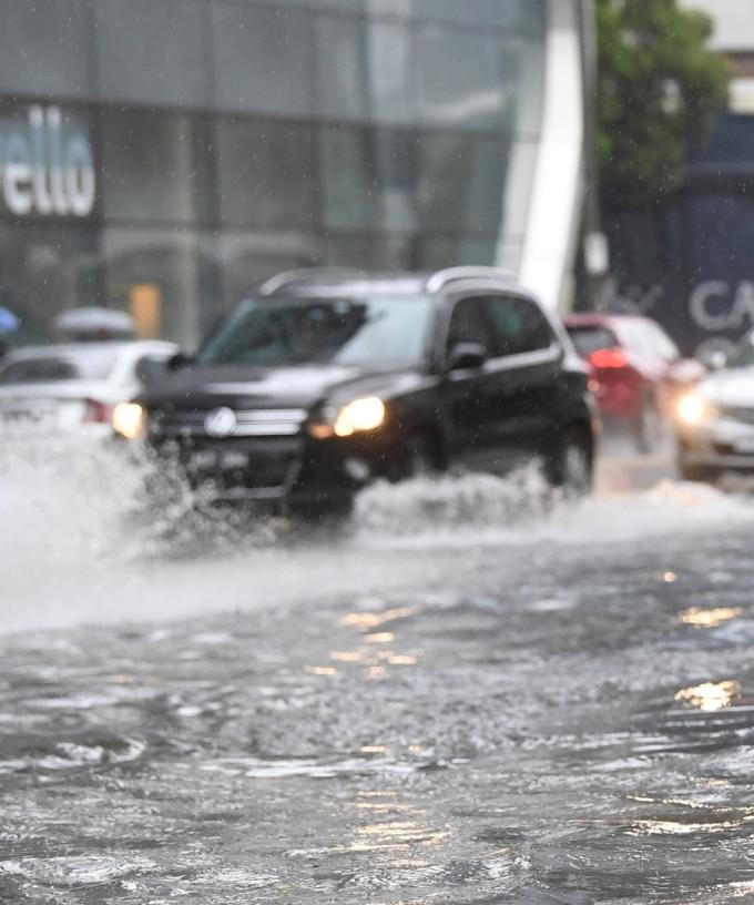 Bureau Of Meteorology Issues Severe Weather Warning For Vic