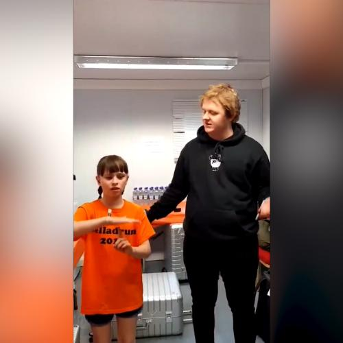 Lewis Capaldi Sings With 10-Year-Old Deaf Fan As She Signs Along
