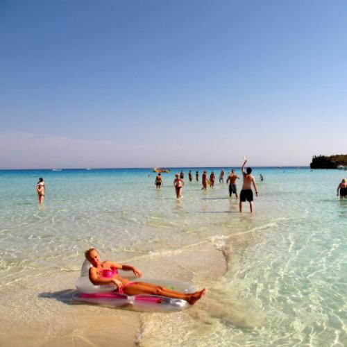 Top 10 Holiday Destinations Only Accessible By Boat