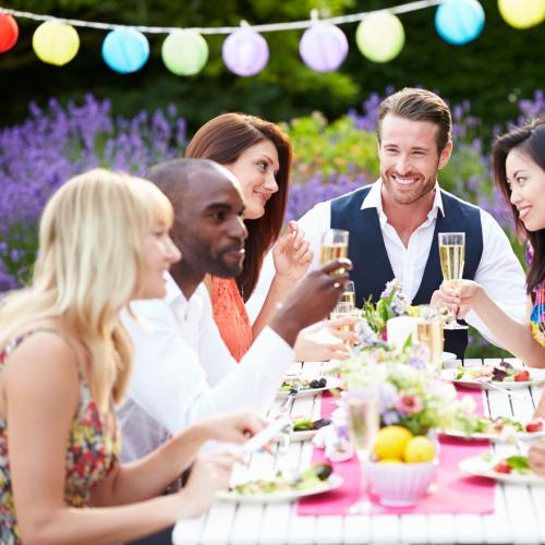 6 Easy Tips To Make Holiday Hosting A Breeze This Summer