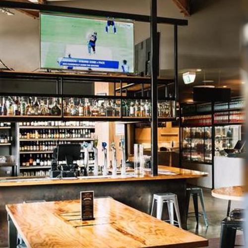 Iconic Melbourne Pub Grosvenor Hotel Launches All-Black Burger As The Rugby World Cup Gets Underway