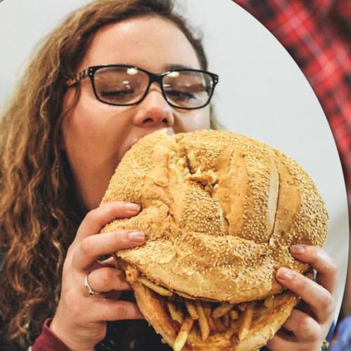 Australia's Largest Cheeseburger Weighs In At 4.5kg!