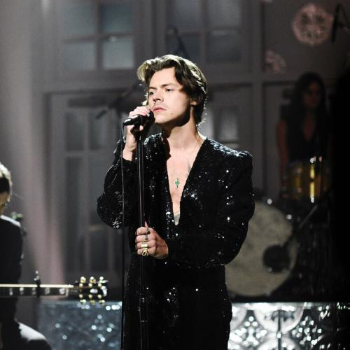 Harry Styles Debuts His New Song 'Watermelon Sugar' While Hosting SNL