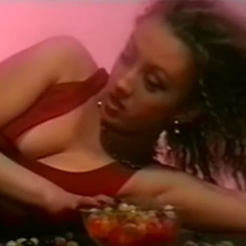 Joanne & PJ Drop The Buffet Remix To The 90's Classic 'Jackie' & It's Making Us Hungry