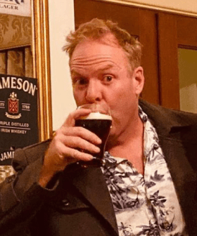 Peter Helliar Reveals He's Been Doing 'Pub Crawls' Doing Iso... And Wants Us To Do Them Too