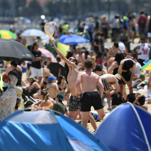 Thousands Of Maskless Melburnians Converge On Beaches Across City On Hot Cup Day