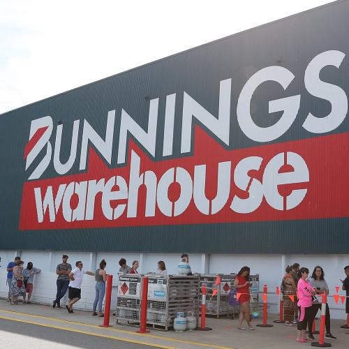 Bunnings Warehouse Shoppers Strange Find In The Stores Carpark Has People Confused