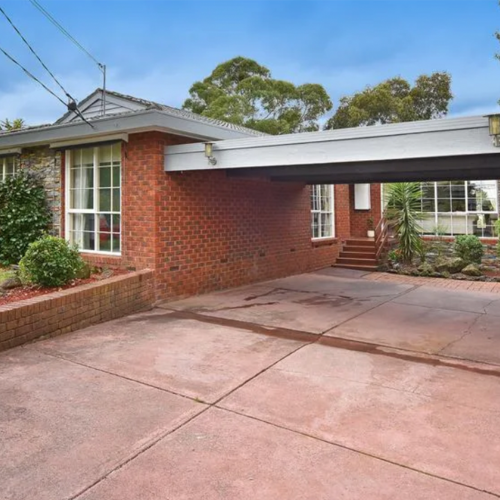 """Toadfish"" Rebecchi's Neighbours House Is Now On Sale In 'Ramsay Street'"