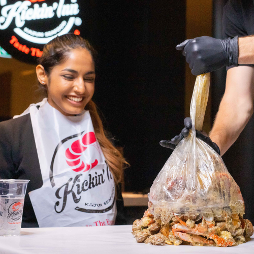 This Melbourne Restaurant Serves Bags of Seafood With No Table Etiquette